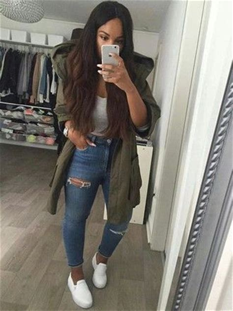 Coat green crop tops high waisted jeans outfit idea | Kleding | Pi ... | Stygoogle