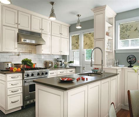 Laminate Cabinets In Casual Kitchen  Aristokraft
