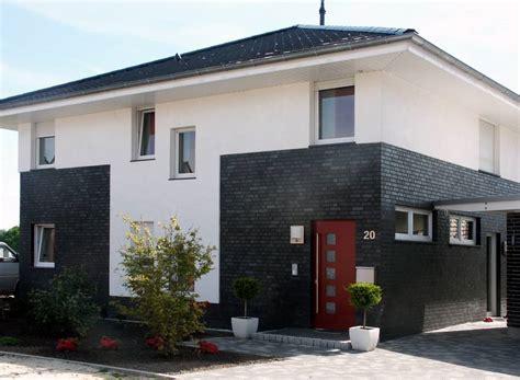 Moderne Häuser Mit Klinker by Gro 223 Er Auftritt F 252 R Schwarze Klinker