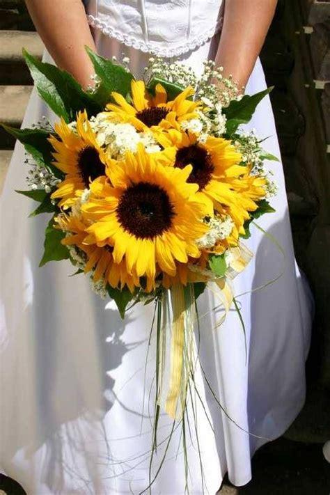 bouquet bridal sunflower bridal bouquet ideas  white