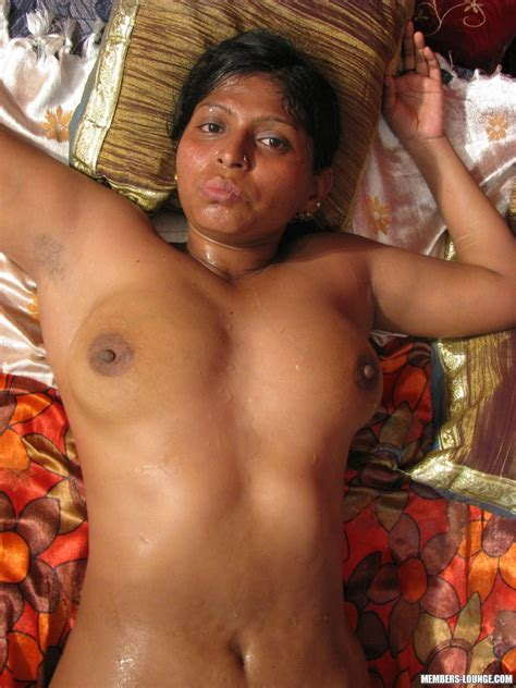 Plump Indian Chick With Flabby Tits And Ass Blows Hard