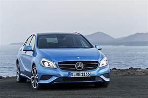 Classe A 2013 : blue mercedes benz a class 2013 3d car shows ~ Medecine-chirurgie-esthetiques.com Avis de Voitures
