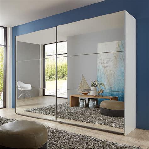 miroir pour chambre armoire avec des portes coulissantes miroir