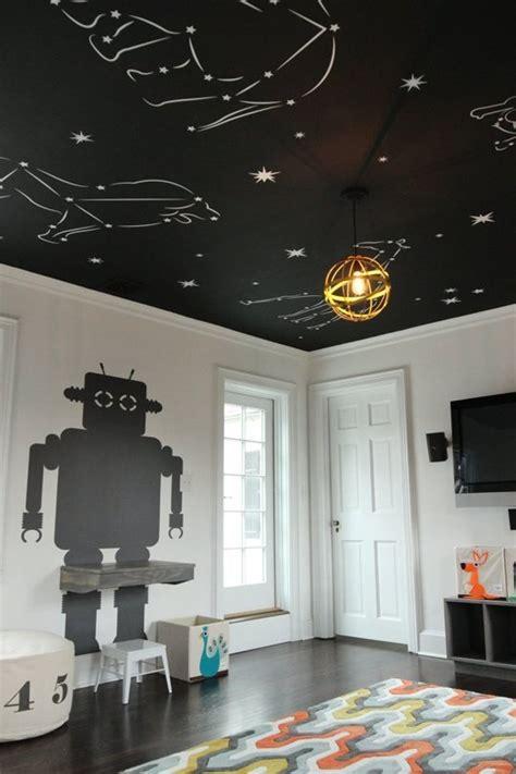 plafond étoilé chambre un plafond plein d 39 étoiles dans une chambre enfant