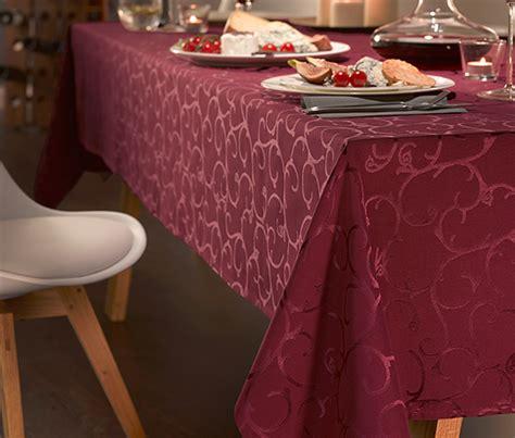Jacquard Tischdecke by Jacquard Tischdecke Weinrot Bestellen Bei Tchibo