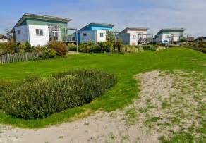 Vergleich Fertighaus Massivbau : wochenendhaus als fertighaus eine billige variante ~ Michelbontemps.com Haus und Dekorationen