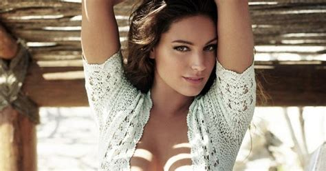 kelly actress english hot english model and actress kelly brook kelly brook