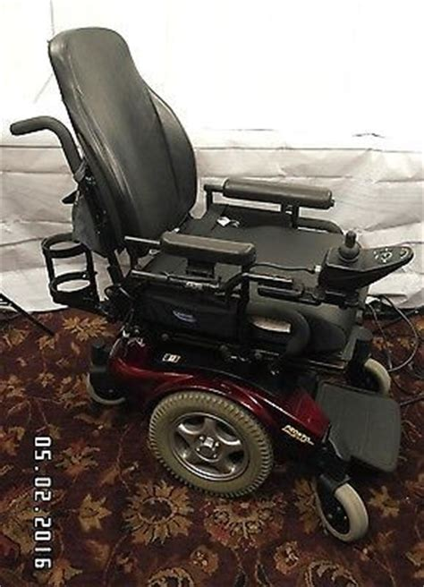 Pronto Power Chair M91 by Invacare Pronto M91 Power Wheelchair With Custom Contoura