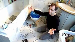 Schimmelpilz Im Bad : video gutachter schimmelpilz versteckter wasserschaden youtube ~ Markanthonyermac.com Haus und Dekorationen