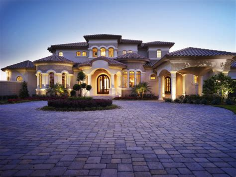 Custom Dream Homes With Luxury Pool And Garden