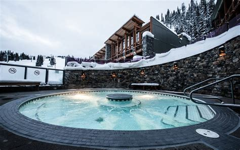 hotels in banff with tub 10 most heavenly pools in banff lake louise skibig3