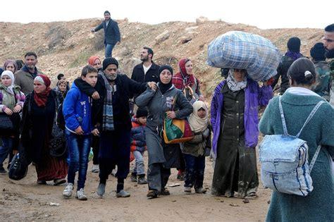 Der dampf auf der flucht. Flüchtlinge aus Syrien: Neun Millionen Menschen auf der Flucht - Naher Osten - FAZ