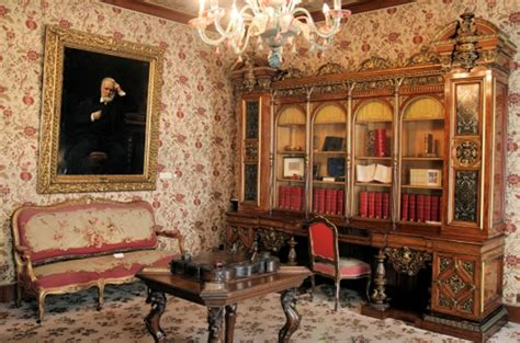 mus 233 e victor hugo top museums in world top top