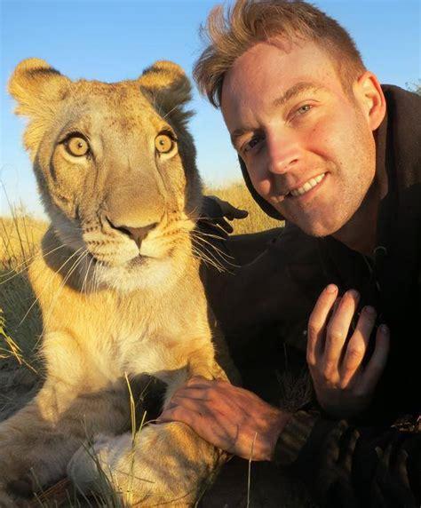 crazy selfie  lions xcitefunnet