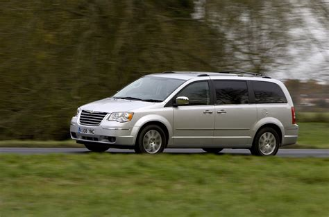 chrysler grand voyager picture