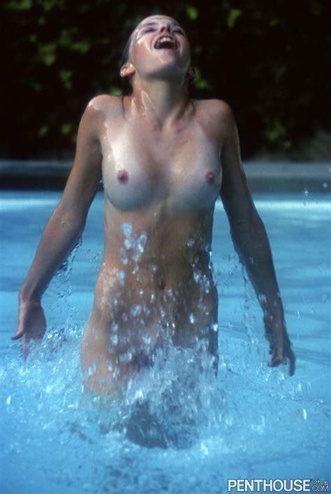 Terri Nunn  nackt