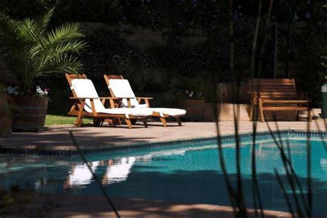 Constantia Cape Town Accommodation High Timbers Lodge. Hotel Goya. Una Hotel Palace. Hotel Lebzelter. Hotel Laghetto Viverone Bento. Sheraton Incheon Hotel. Wuxi Jinlun Hotel. Hotel Metropolitan Tokyo. El Crater Hotel