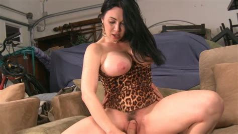 Brunette Cougar Rayveness In Sexy Leopard Corset Rides