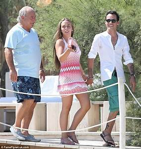 Marc Anthony 44 And Chloe Green 22 Reunite For Love