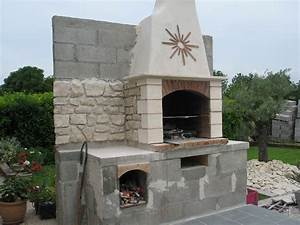 Cheminée En Brique : cuisine construire son barbecue faire un barbecue en briques avec cheminee fabriquer barbecue ~ Farleysfitness.com Idées de Décoration