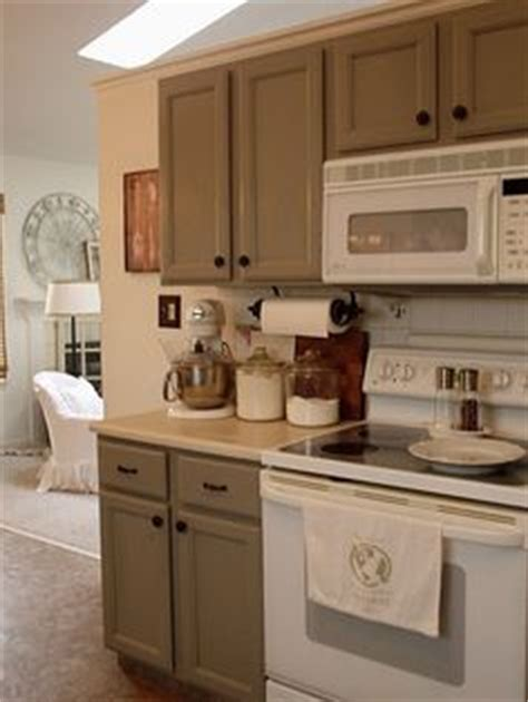 grey kitchen cabinets with white appliances 1000 images about white appliances on white 8361