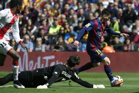 Barcelona 6-1 Rayo Vallecano: Lionel Messi bags a hat ...
