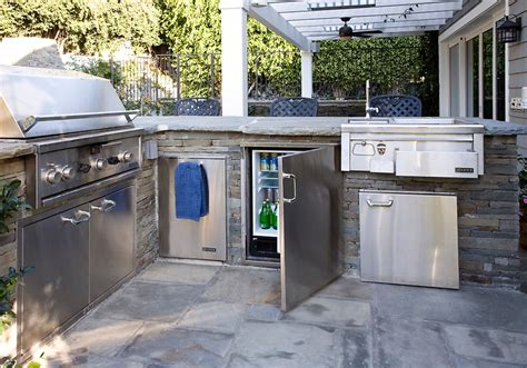 building outdoor kitchen cabinets 7 tips for designing the best outdoor kitchen 4982