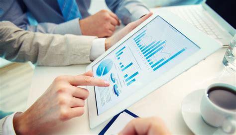 Finance Internships - Absolute Internship - Travel, Learn ...
