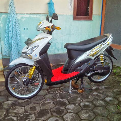 Modifikasi Mio Sporty Hitam mio sporty modifikasi minimalis thecitycyclist