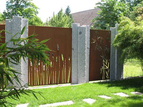 Sichtschutz Garten Aus Cortenstahl paras sichtschutz in cortenstahl an granitstelen