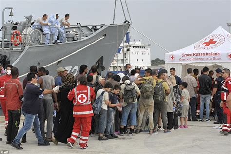 How Long From Libya To Italy By Boat by Pictures Of Mediterranean Migrants Bodies Washed Up On