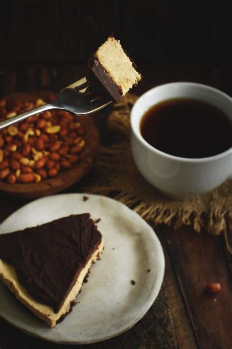 That cookie crust is heaven and adds the slightest bit of texture to the seriously. Low-Carb Peanut Butter Pie Recipe - Simply So Healthy | Recipe | Low carb peanut butter, Low ...