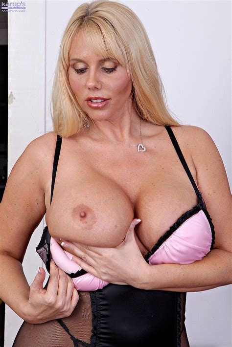 Milf Pornstar Karen Fisher Display Her Knockers Milf Fox
