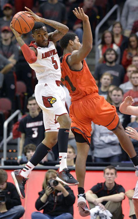 ware kevin louisville leg injury return basketball player broke court injuries gruesome college returns during game break ncaa suffering breaking