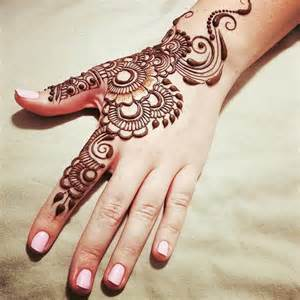Simple Mehndi Designs | One Hand Mehndi Designs | New ...