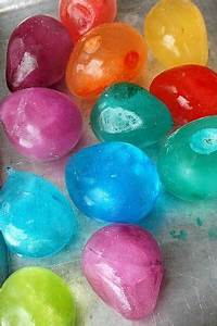 Ballon Mit Mehl Füllen : ballon mit wasser und lebensmittelfarbe f llen gefrieren lassen swimmingpool kinderspiel ~ Markanthonyermac.com Haus und Dekorationen