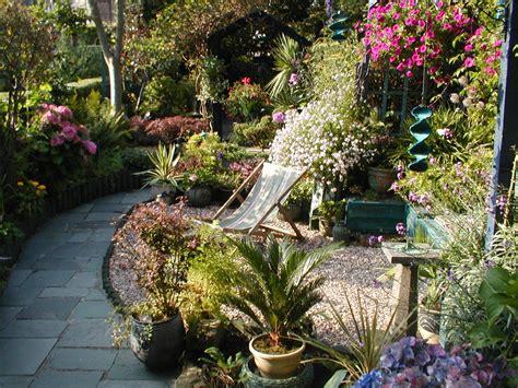 long  thin gardening garden design small gardens