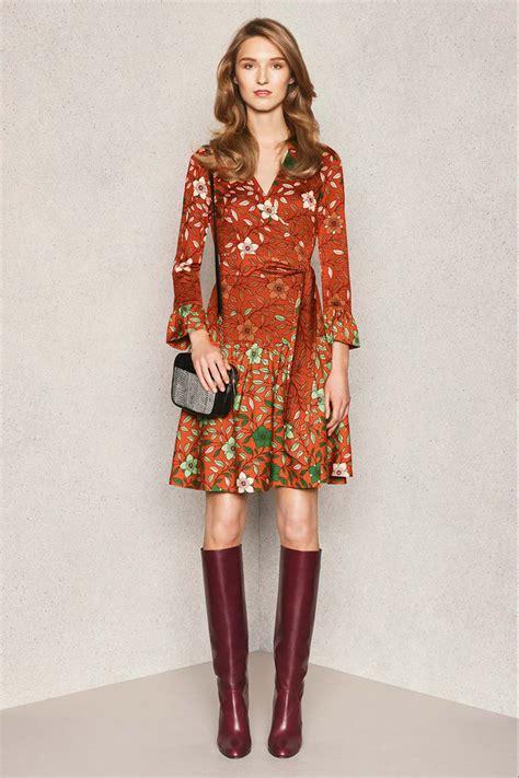 Scegli il miglior abbigliamento donna firmato dai brand più prestigiosi per essere alla moda in ogni stagione, e crea il tuo look con articoli di design e di alta qualità delle ultime collezioni. FASHION TRENDS: STIVALI ALTI ANNI '70   Style Shouts