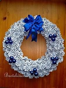 Basteln Mit Tannenzapfen Weihnachten : weihnachtskr nze basteln weihnachtsbasteln tannenzapfen kranz ~ Frokenaadalensverden.com Haus und Dekorationen