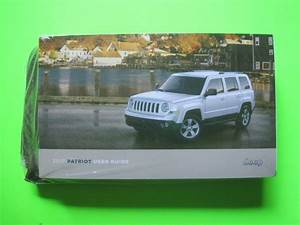 2017 Jeep Patriot Factory Owner Manual User Guide Set