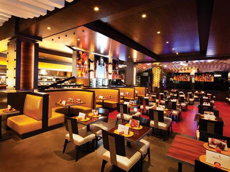 gordon ramsay hell s kitchen restaurant the best family restaurants in las vegas family vacation hub