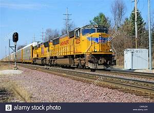 Pacific Auto : union pacific freight train with sd70 unit 4225 auto rack carriers stock photo 50020828 alamy ~ Gottalentnigeria.com Avis de Voitures