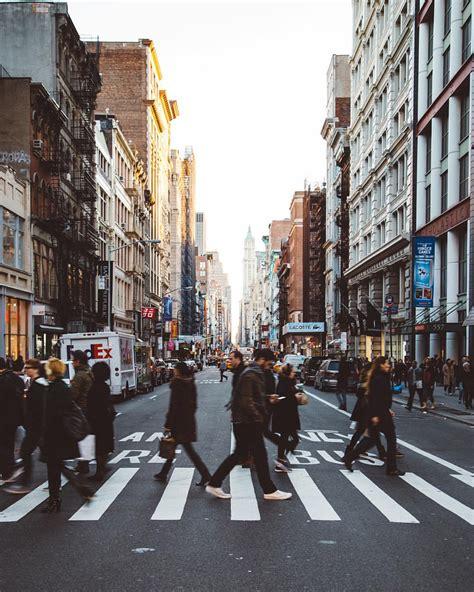 Dachgärten New York by Die Besten 25 Busy City Ideen Auf Stadtg 228 Rten