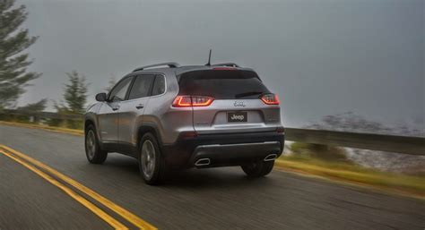 2019 Jeep Cherokee Debuts Its New Face And Turbocharged