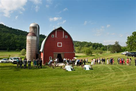 cedar creek barn winona mn rustic wedding guide