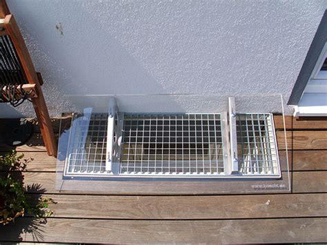 regenschutz lichtschacht selber bauen lichtschachtabdeckung knecht fertigkeller