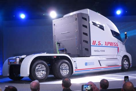 nikola  fuel cell electric truck promises high fuel