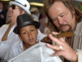 Kid Rock, 43, 'will welcome a granddaughter in five months ...
