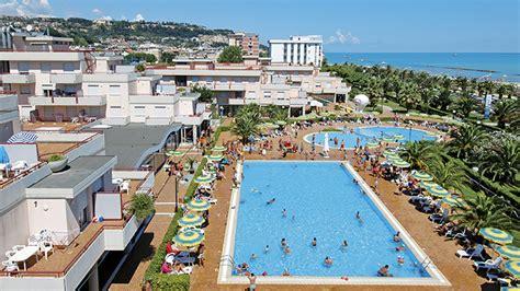 grottammare residence le terrazze viaggi a grottammare marche residence club hotel le