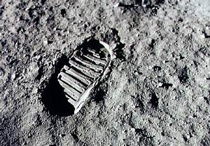Neil Armstrong, 1st man on the moon, dies | Minnesota ...